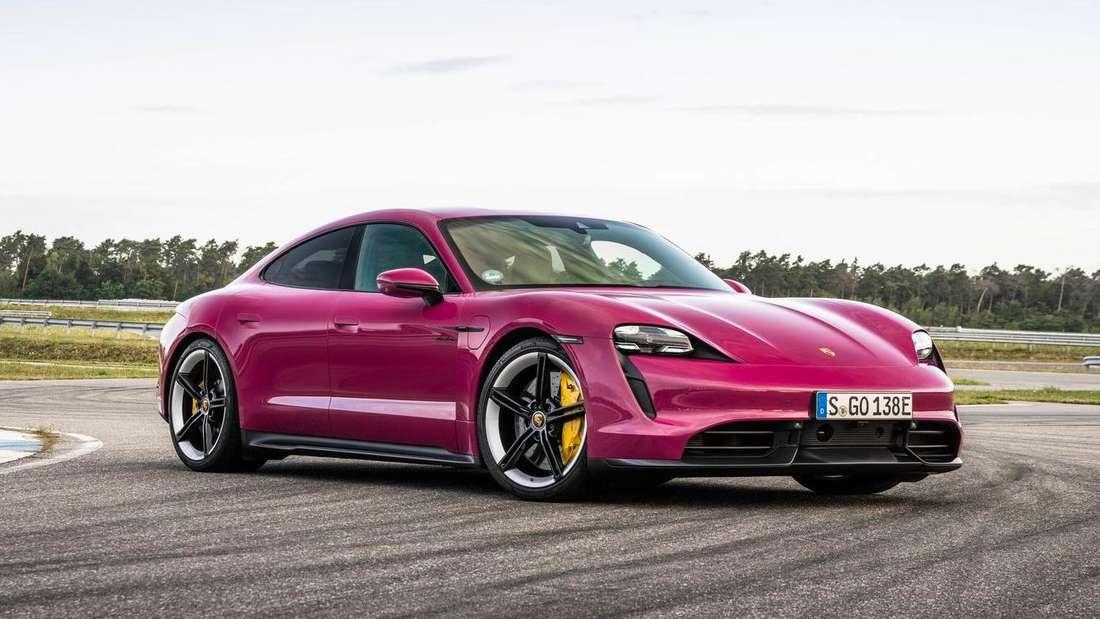 Porsche Taycan, stehend