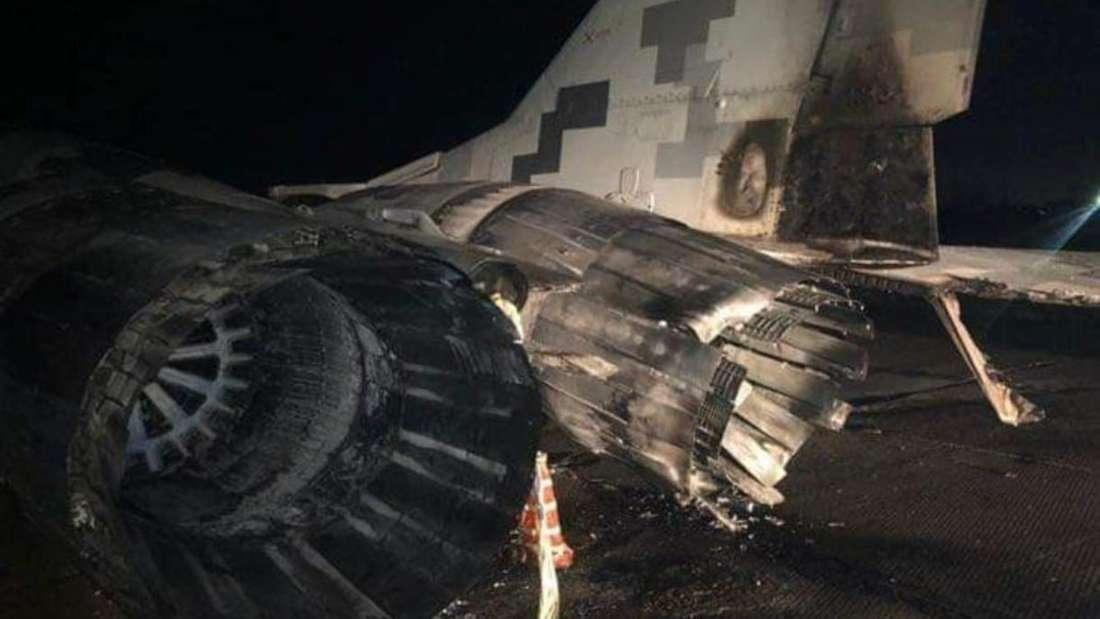 Das beschädigte Heck der MiG-29