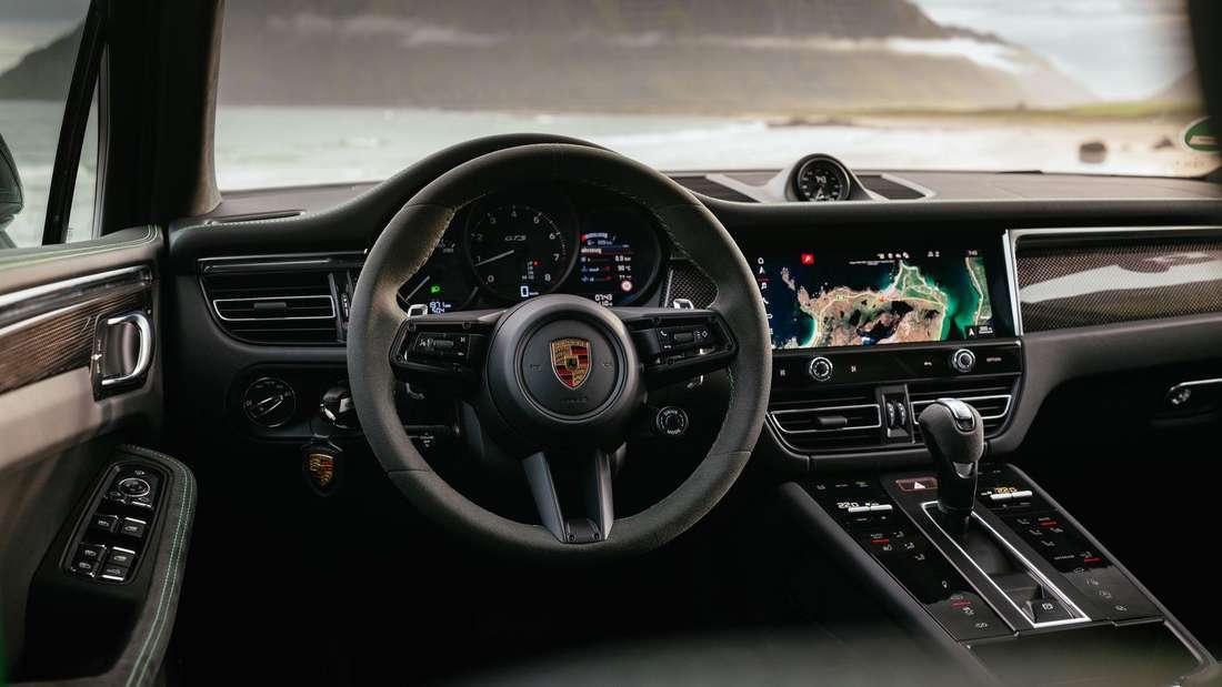 Ein Blick ins Cockpit des Porsche Macan GTS