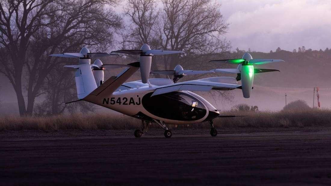 """Ein """"Air Taxi"""" von Joby Aviation auf einer Startbahn"""