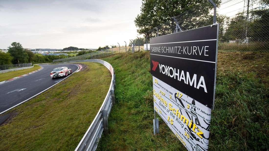 """Die """"Sabine-Schmitz-Kurve"""" auf der Nürburgring-Nordschleife"""