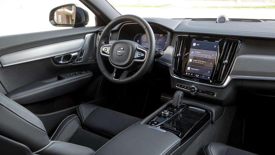 Blick ins Cockpit eines Volvo V90