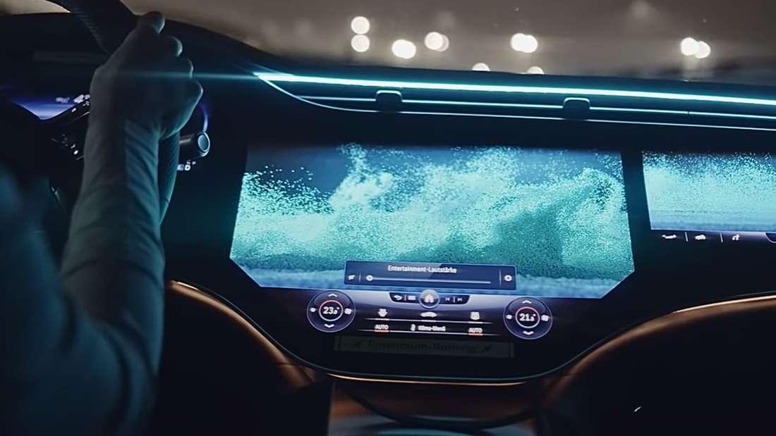 Der MBUX-Hyperscreen im Mercedes-Benz EQS