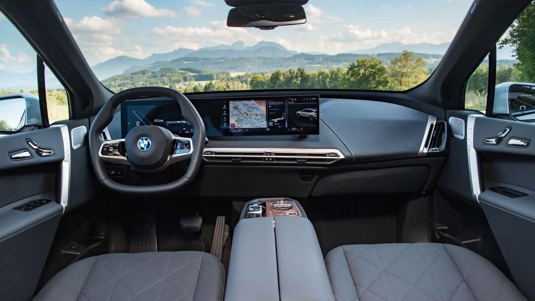 Interieur des BMW iX xDrive50
