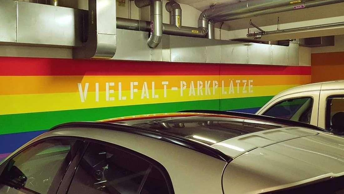 Die neuen Vielfalt-Parkplätze in einem Hanauer Parkhaus