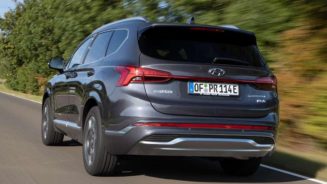 Fahraufnahme eines Hyundai Santa Fe