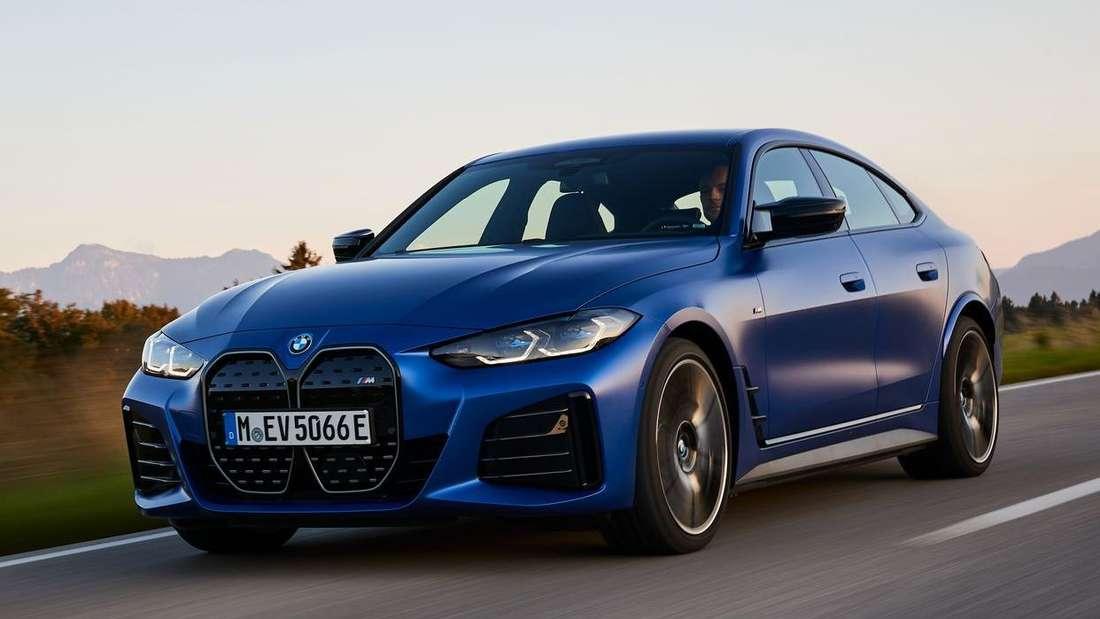 BMW i4 M50, fahrend